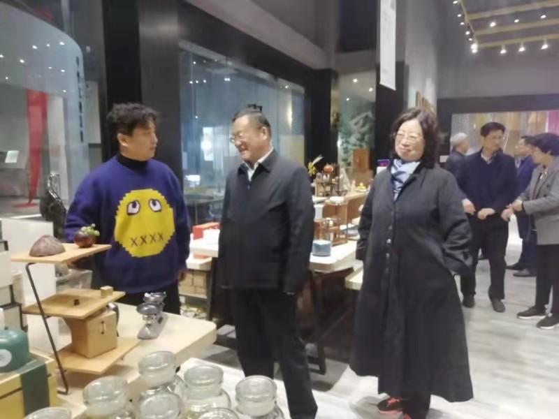 省政协副主席、民盟省委主委郑永飞一行莅临富景垚调研